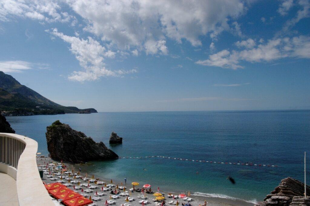При приобретении недвижимости в черногории